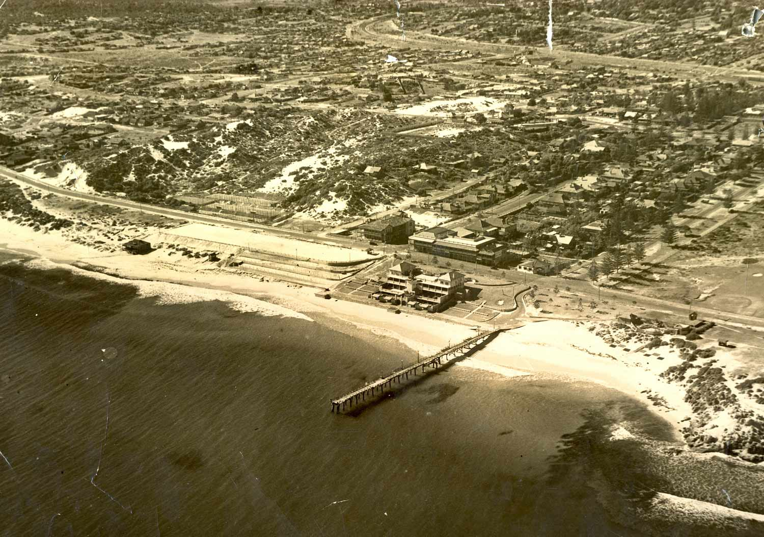 1935 Aerial view of Cottesloe Beach