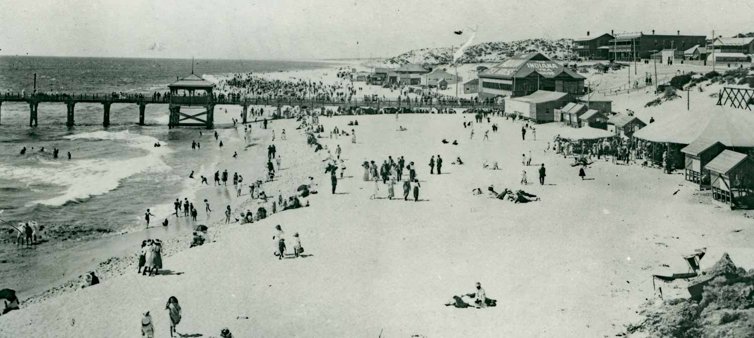 About 1914. Looking north from Mudurup Rocks with Lowick's on the south side of the jetty, then Indiana and the Surf Tea Rooms