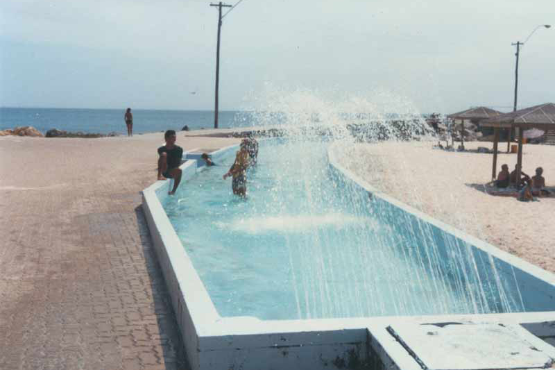 1986 The children's pool at the end of the groyne